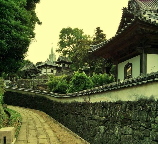 【行ってみた】寺院と教会サムネイル